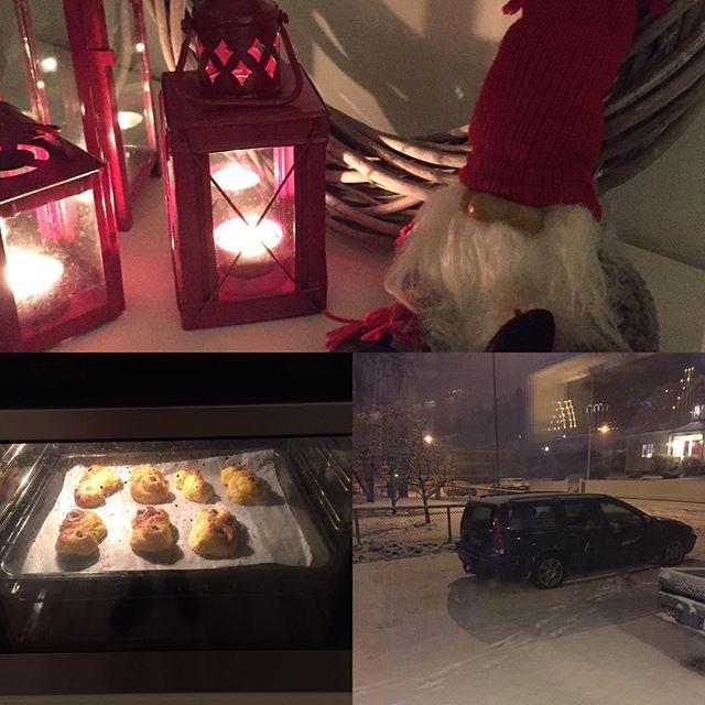 Nu kan tomten komma! Lussebullar, snö och julpyntat i huset. Underbart! #jul #tomten #mys #hashtag